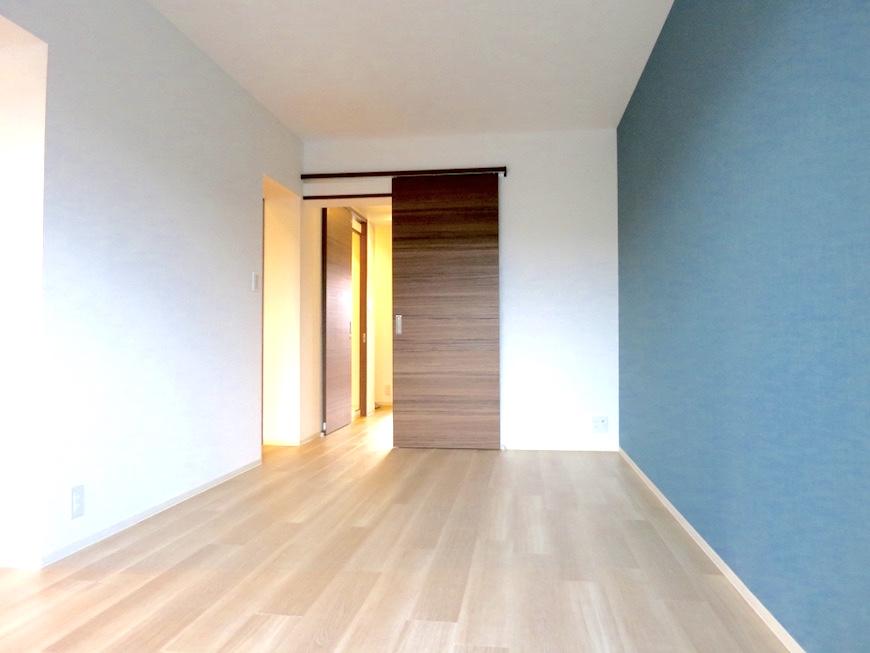 15:ターコイズブルーのある部屋_4786_1024