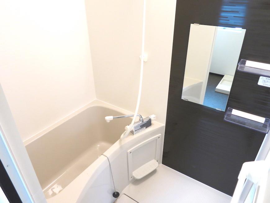 真新しいバスルーム_5593