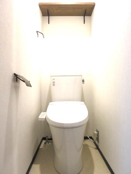 ヴィンテージ仕様のトイレ_5600
