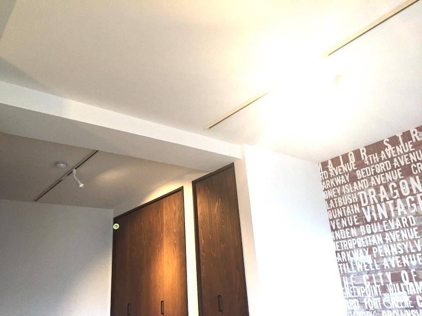 かっこいい部屋天井を眺める_0917