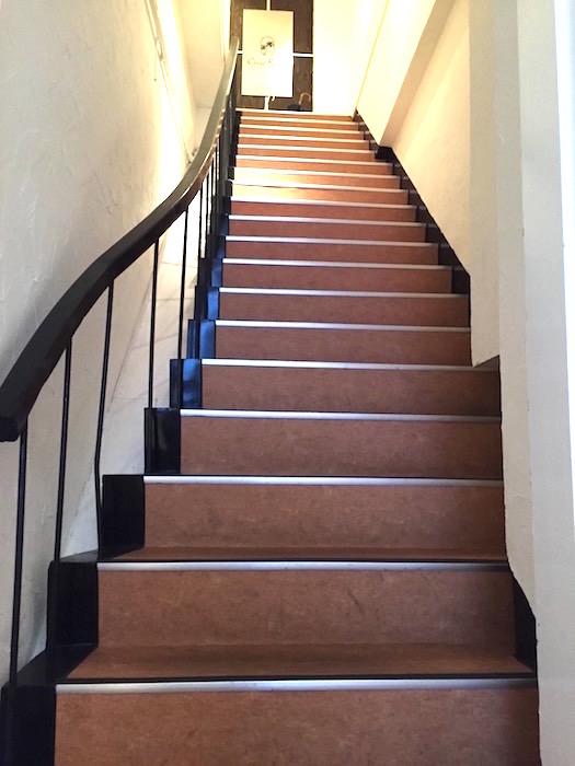 アテコパリジェンヌ_共有廊下・階段_飲食店と共用です1126