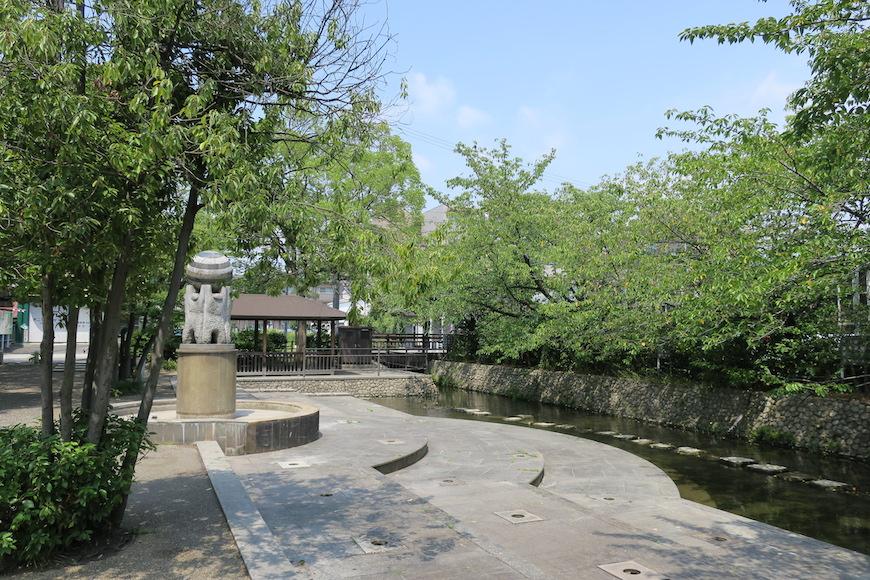【八田 水の広場】緑と水と青い空_IIMG_0188