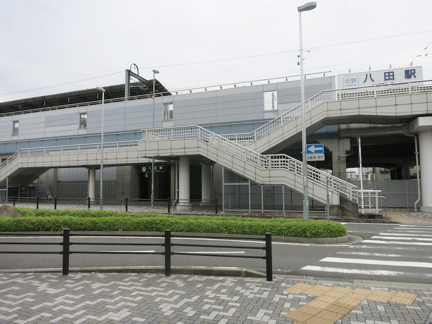 近鉄八田駅、地上に出たところです_IMG_5399_rth