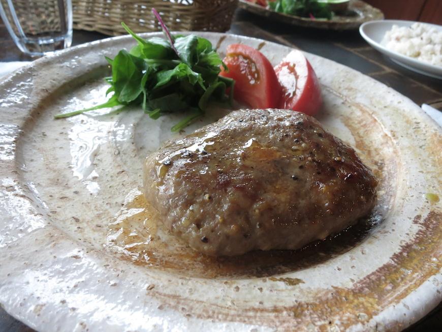 彩りのよい手作り牛肉ハンバーグ_IMG_5524