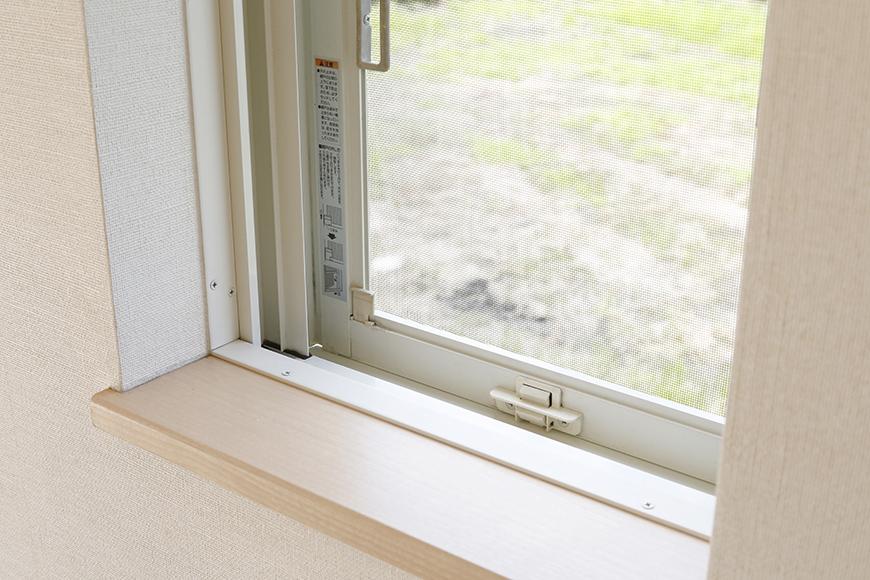 シェッドルーフの名前の由来にもなっている出窓です_MG_3115