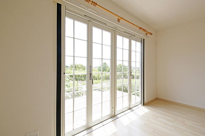 窓自体にも存在感や趣きがあり、閉じても楽しめます_MG_3194