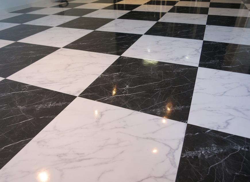 格子柄の床_リビング_5753