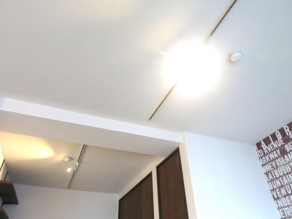 かっこいい部屋の天井を眺めてみたビンテージ風景_5550