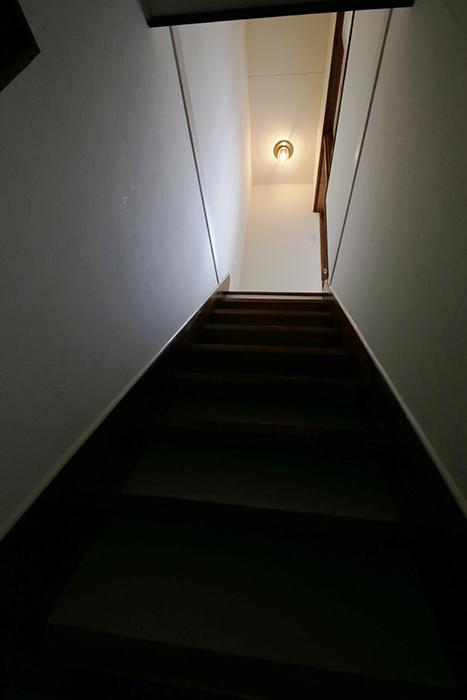非常口から戻りまして、、、二階へGo!_MG_0644
