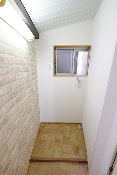 扉で区切られた贅沢な洗濯機置き場!_MG_0819