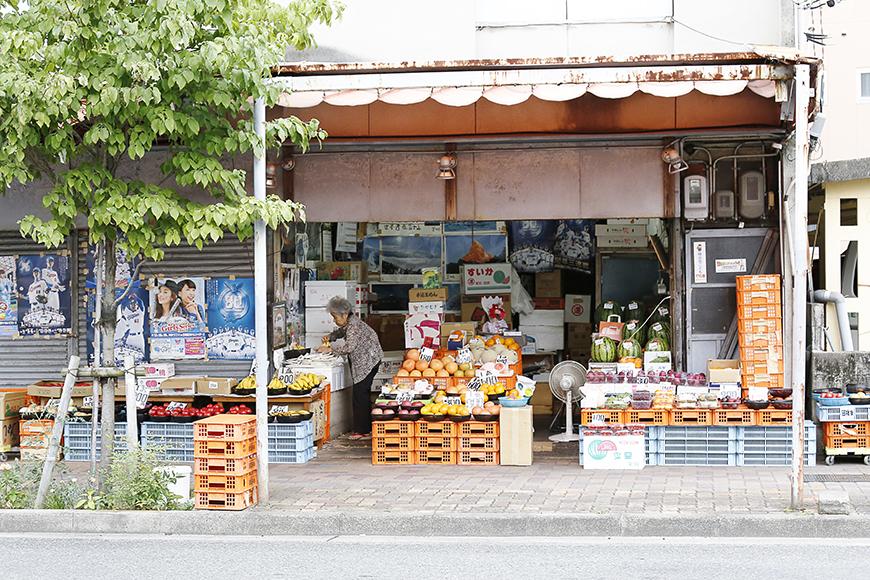 周辺地域が今まさに生まれ変わろうとしていて、古いお店・新しいお店が混在する、ある種のカオスな状況もまた魅力的☆_MG_1081