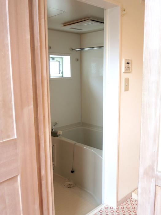 バスルーム入り口6705