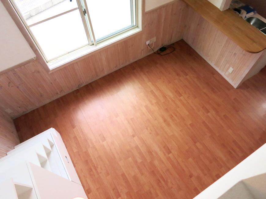 ロフトからお部屋床と腰壁のバランスが素敵_6726