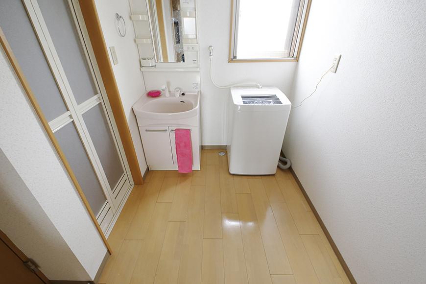 玄関から見て左手にあります、 一ヶ所にコンパクトに収まる水回りのご紹介☆_MG_8107