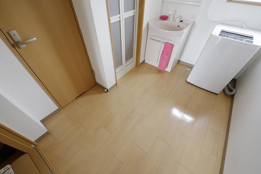 玄関から見て左手にあります、 一ヶ所にコンパクトに収まる水回りのご紹介☆_MG_8115