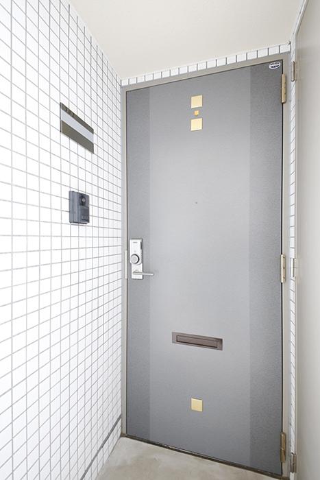 玄関も高級感溢れ、素敵です_MG_8180