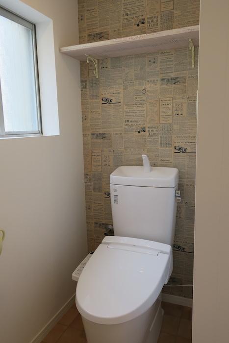 トイレの壁の外国新聞のクロスも素敵♡_IMG_0137
