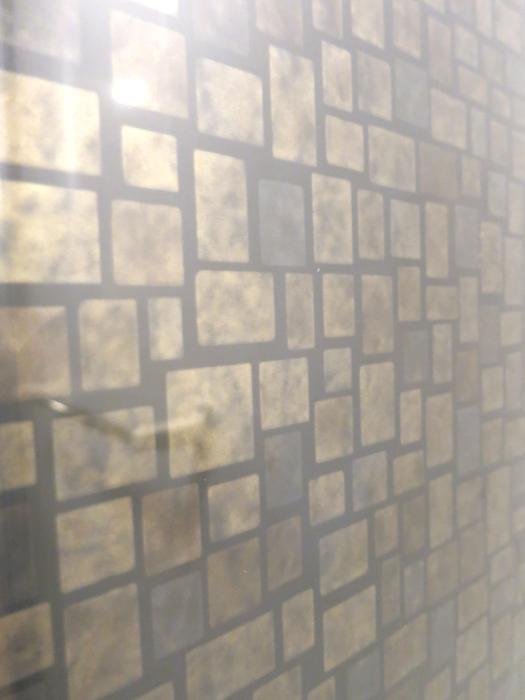 石目調のバスルームの壁_6921