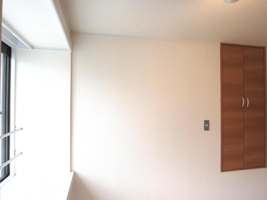 ホワイトな空間とお洒落な扉_7014