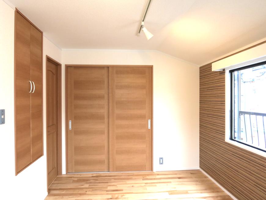 ノリタケの家2階6帖のお部屋_7016