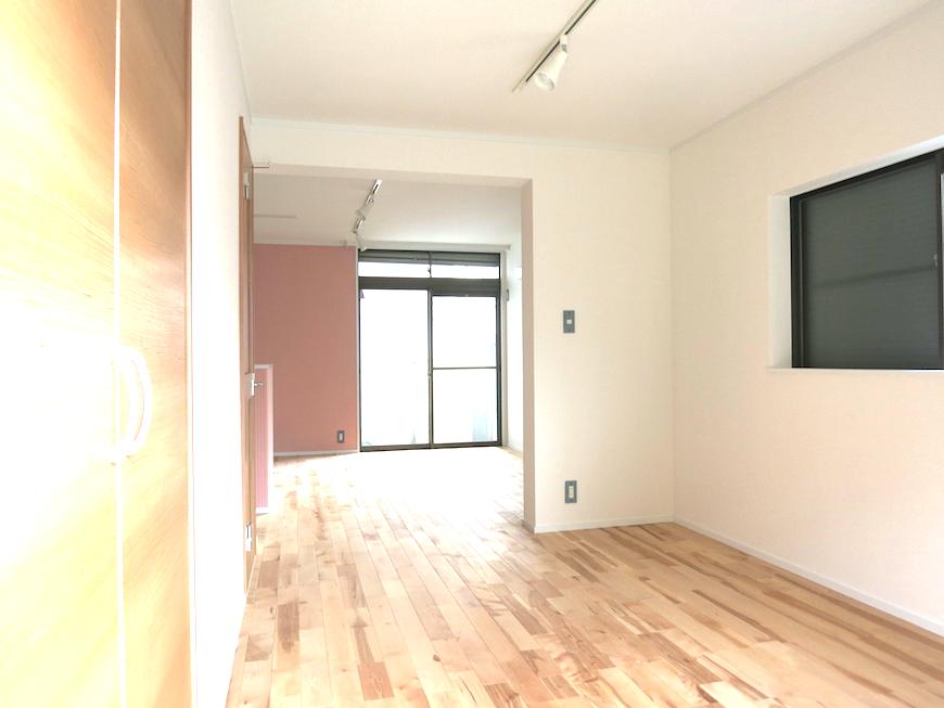 ノリタケの家1階LDKお部屋全体に無垢が敷き詰められています_7124
