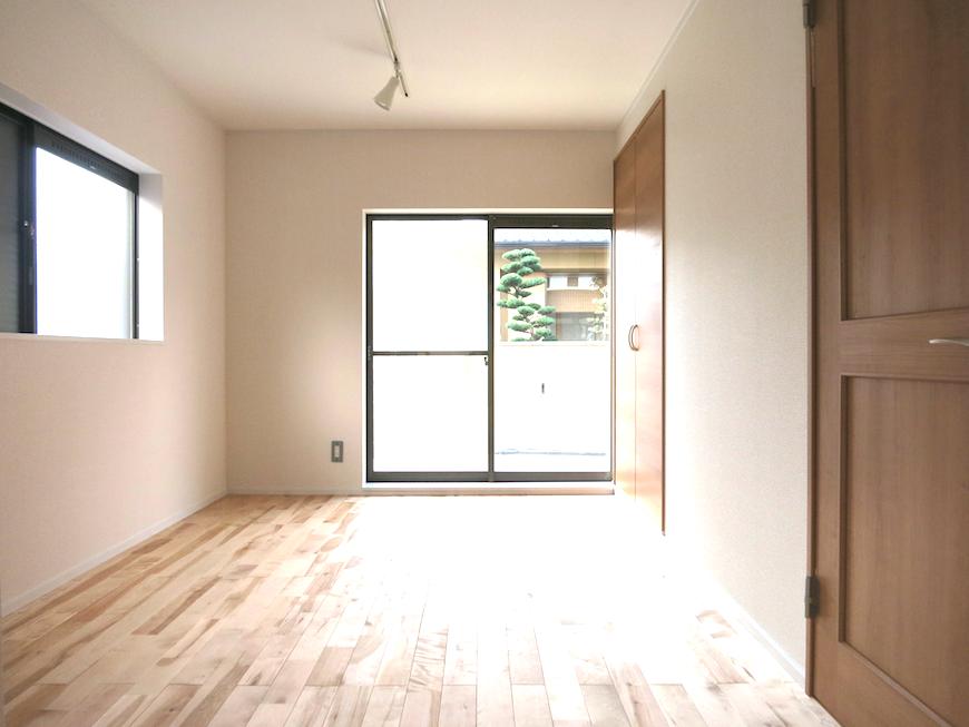無垢の床と白いお部屋_7127