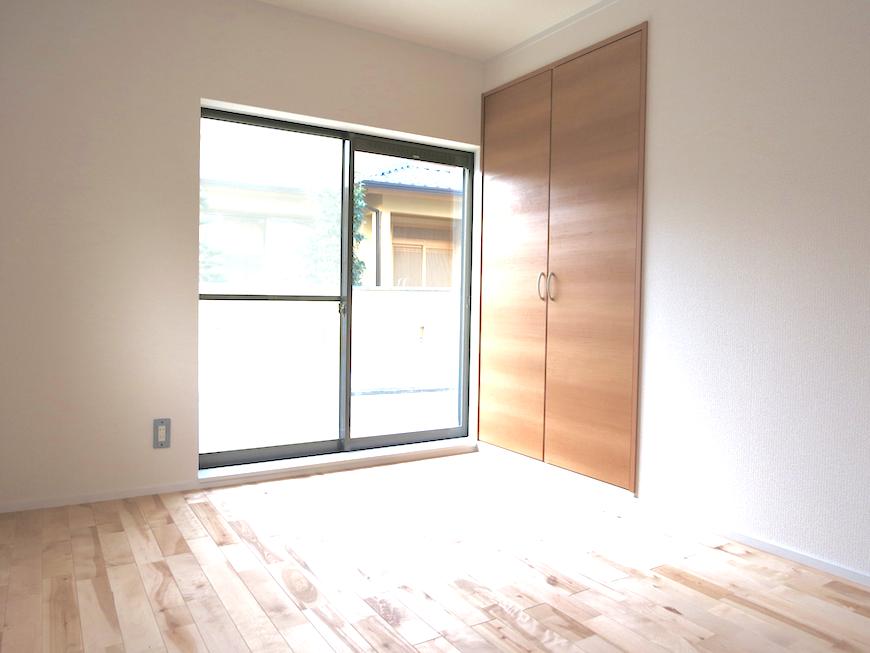 無垢の床と光ある窓_7128