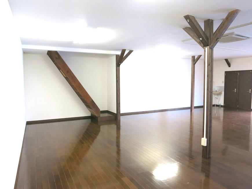 階段サイドがお部屋のアクセントに。【呼明家スタジオ TASHIRO 1959】_7254