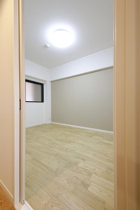 お次のお部屋ですが、TOMOSのリノベの特徴と言えば・・・_MG_9473