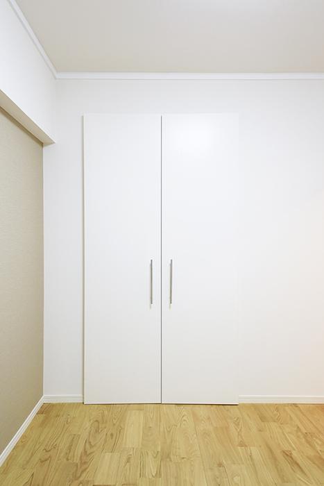 こちらのお部屋にはクローゼット収納アリ!_MG_9492