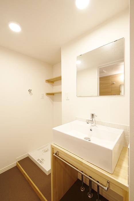 独立洗面台と室内洗濯機置き場!_MG_9800