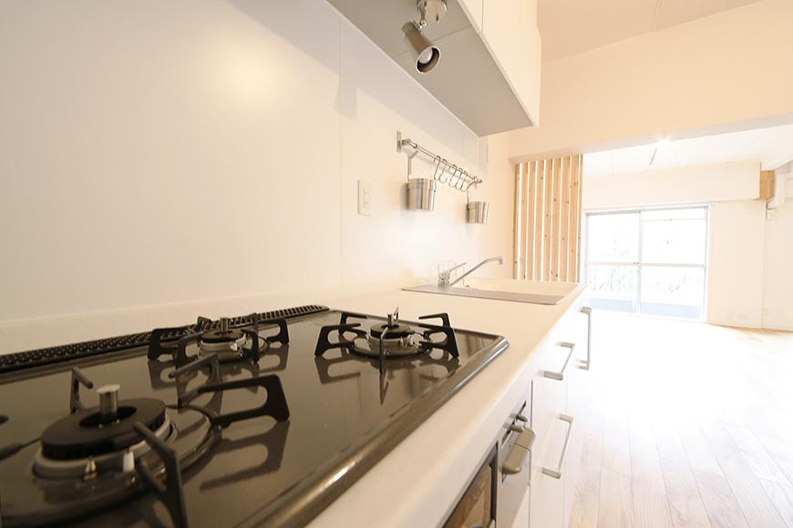 キッチンに立って、リビングを眺める・・・素敵な空間です!_MG_9927