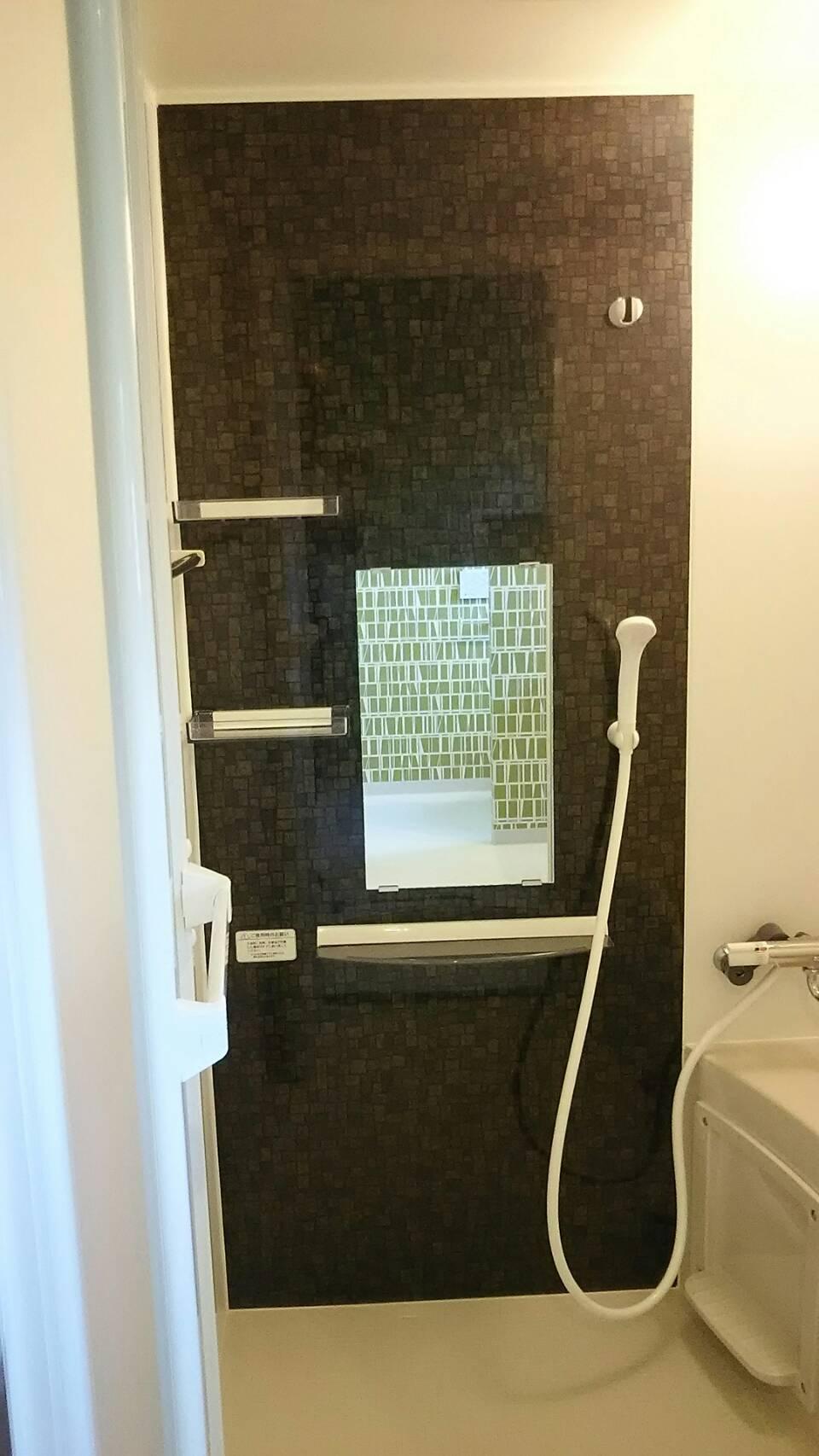 バスルームも洒落てます!_7631