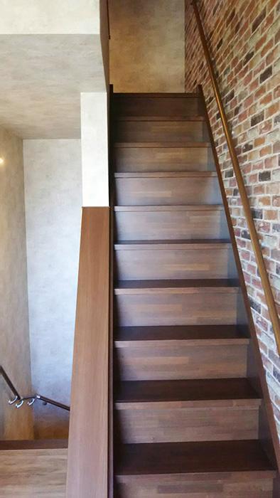 更にロフトに続く階段があります♪_7632_rth