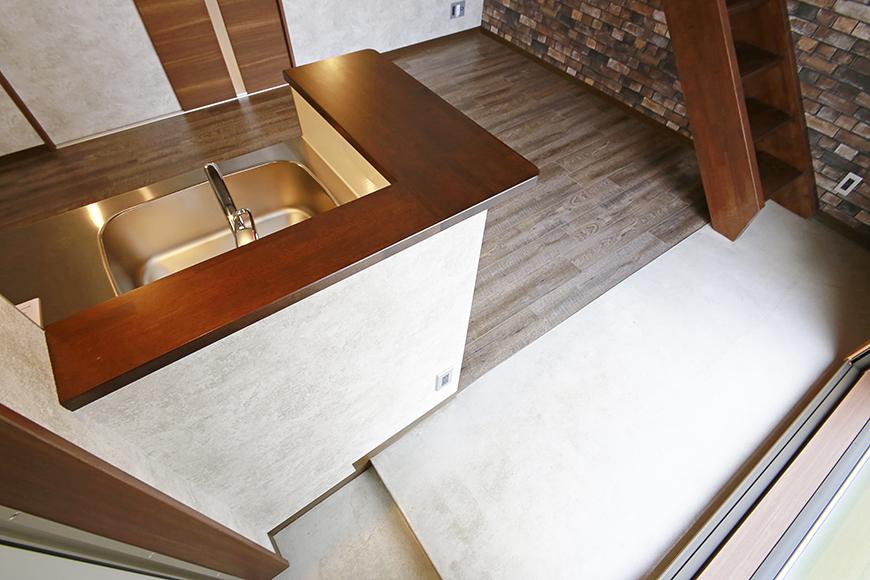 オープンキッチンのカウンターがまた雰囲気を高めています!_MG_2920