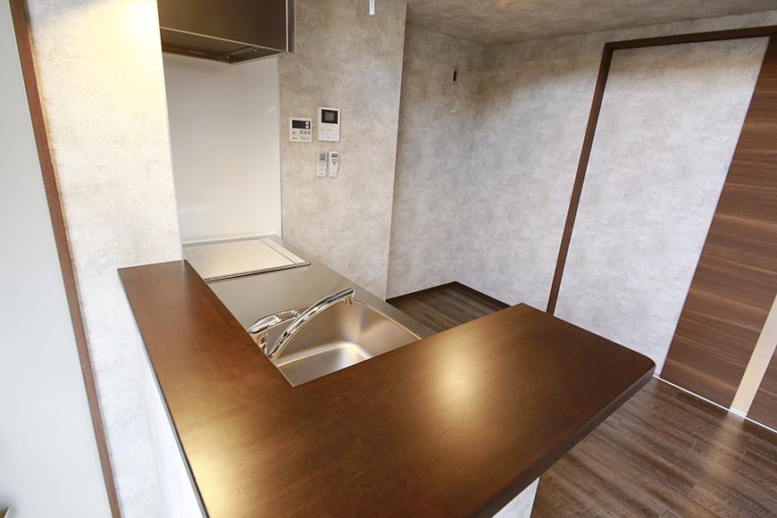 オープンキッチンのカウンターがまた雰囲気を高めています!_MG_2960