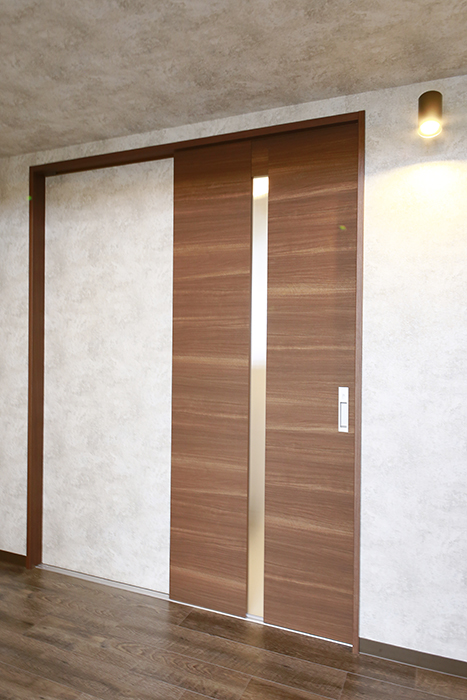キッチン後ろにあるドアを開けますと・・・_MG_3005