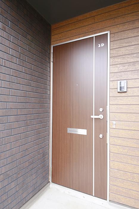 コチラは2D号室の玄関!espresso木田の玄関は気分あがりますね!_MG_3125