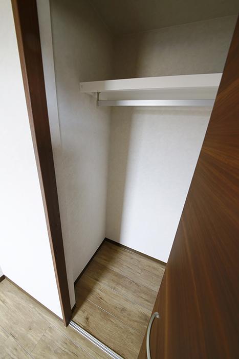 こちらの洋室には収納あります!_MG_3317