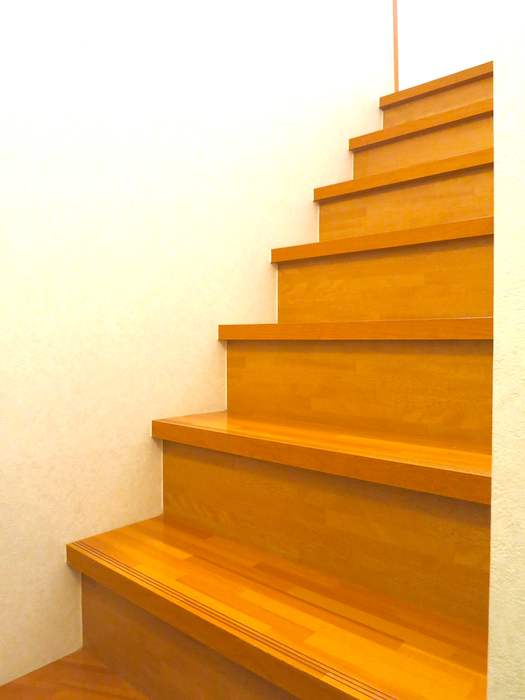 天井が高いので中折れ階段で2Fまで。_7722