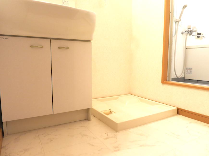 洗濯機置き場。虹と空とリベルテ(Liberte)と。優しい自由がある空間。_7759