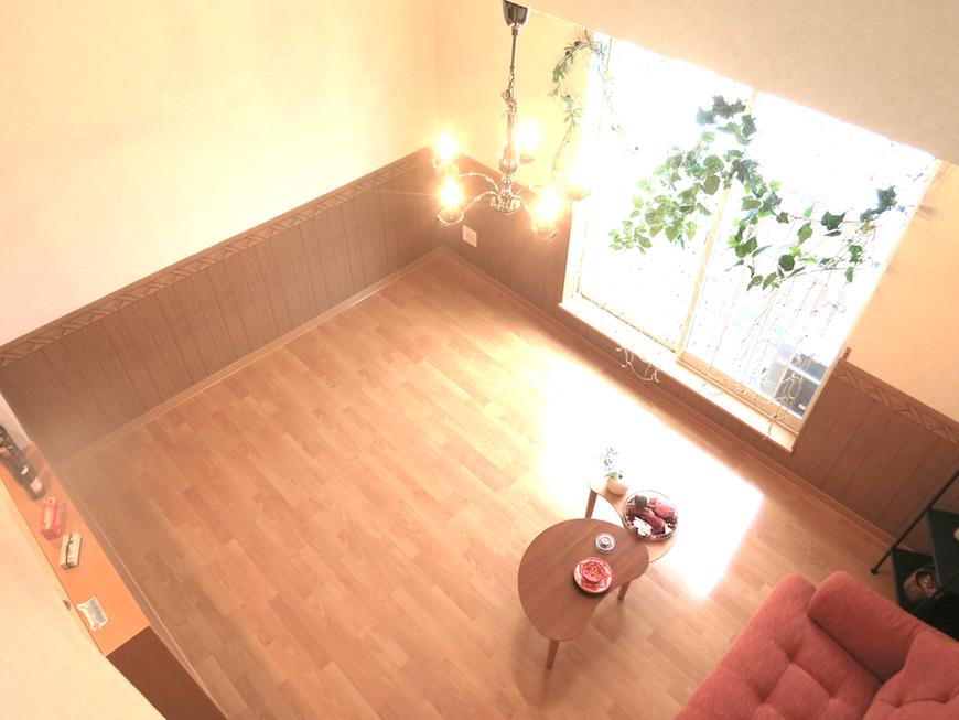 ロフトからみたお部屋。柔らかい空間。_7821