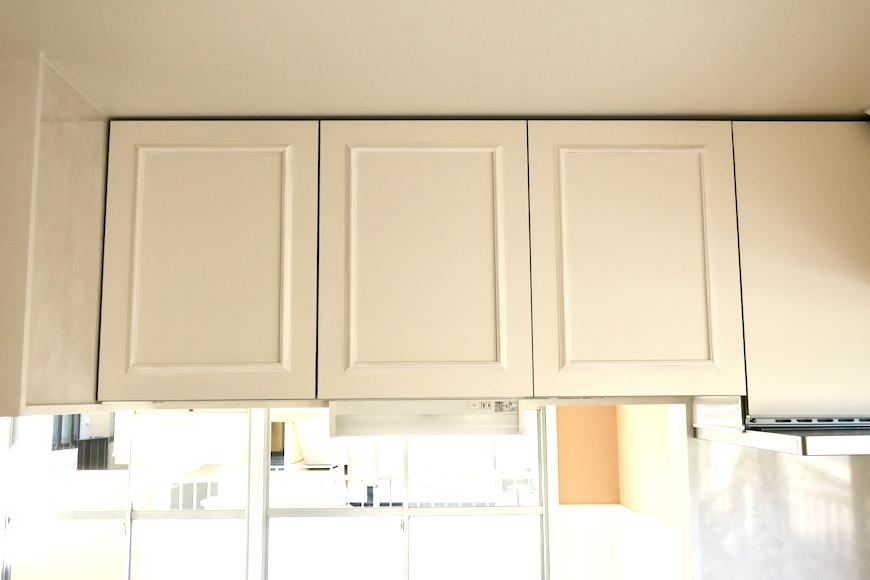 キッチン12 【キャッスル東栄】 フレンチブルーがアクセント。 優雅でクラシカルなお部屋。