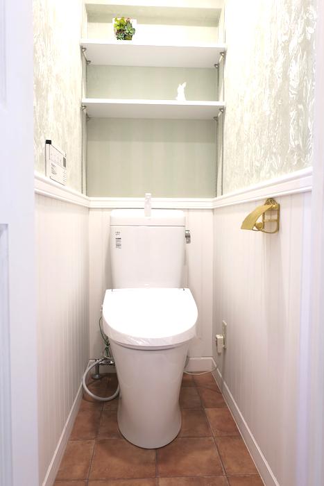 トイレ3 【キャッスル東栄】 フレンチブルーがアクセント。 優雅でクラシカルなお部屋。