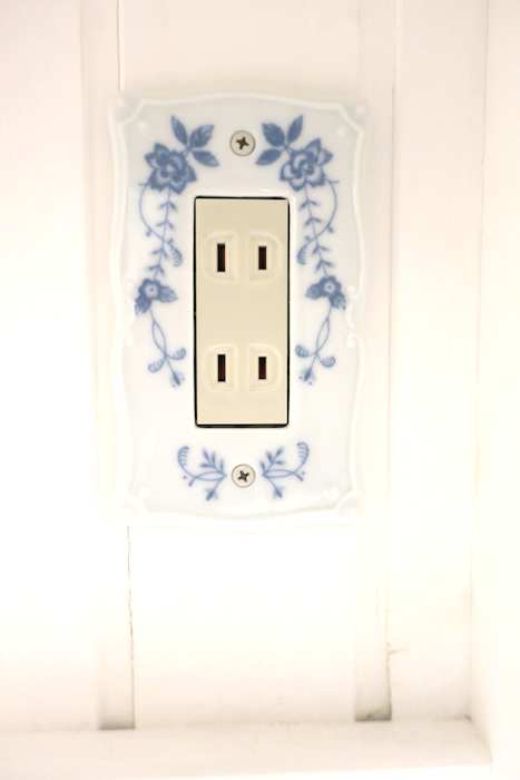 バスルーム15 【キャッスル東栄】 フレンチブルーがアクセント。 優雅でクラシカルなお部屋。