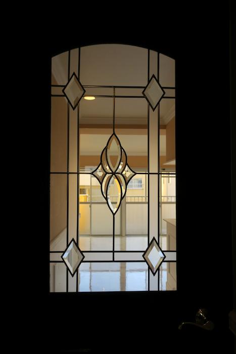 玄関【キャッスル東栄】 フレンチブルーがアクセント。 優雅でクラシカルなお部屋。