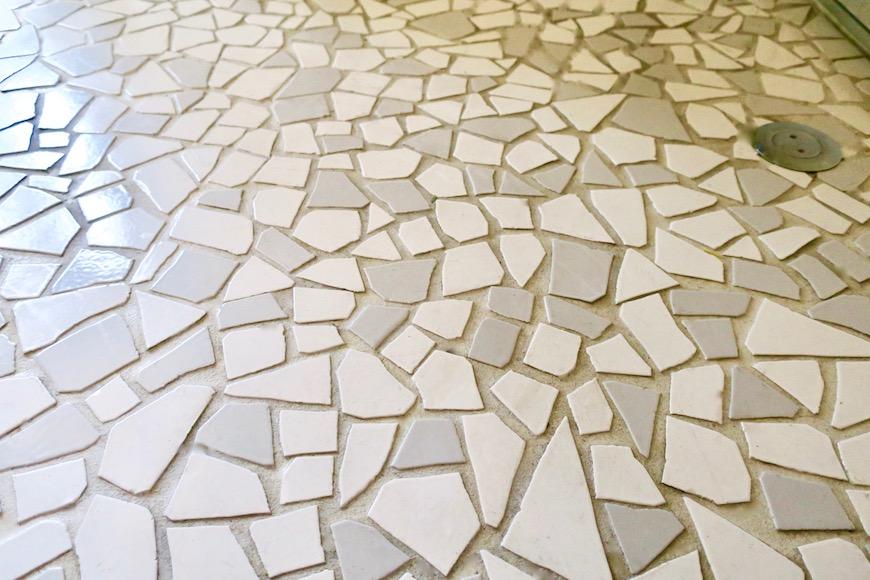 【2000 HOUSE】極上アンティーク空間 レトロキッチン タイルがお洒落な床