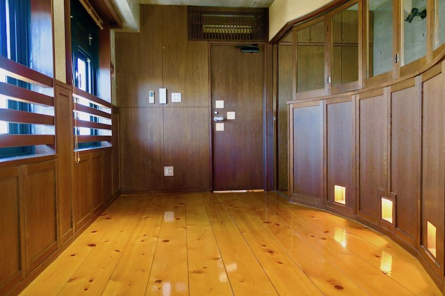 【2000 HOUSE】極上アンティーク空間