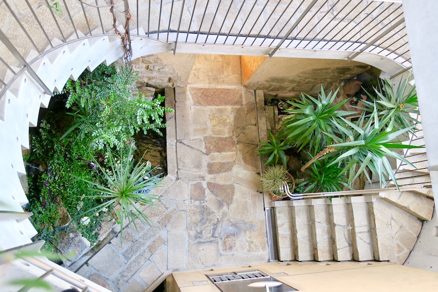 【2000 HOUSE】中庭を見下ろした景色_0818