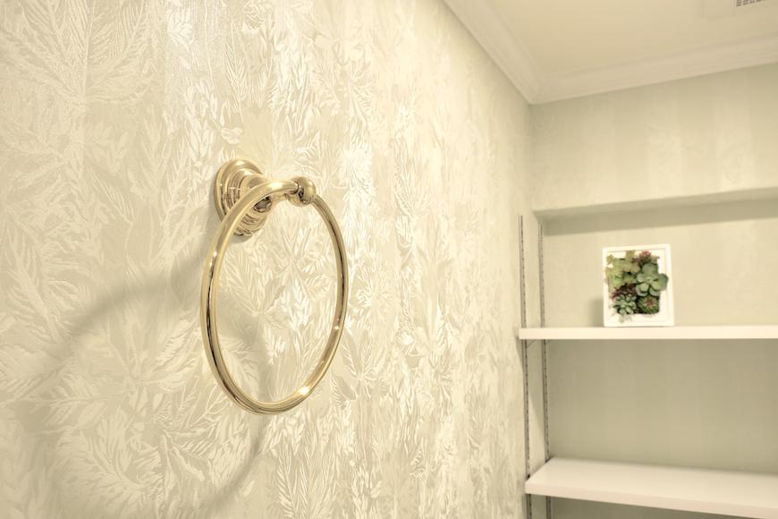 トイレ_0976 【キャッスル東栄】 フレンチブルーがアクセント。 優雅でクラシカルなお部屋。